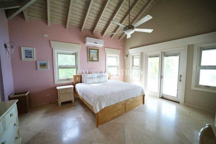 Property to Rent in Turtle Villa, a beautiful beachfront house, Saint Mary, Jolly Harbour, Antigua, Antigua