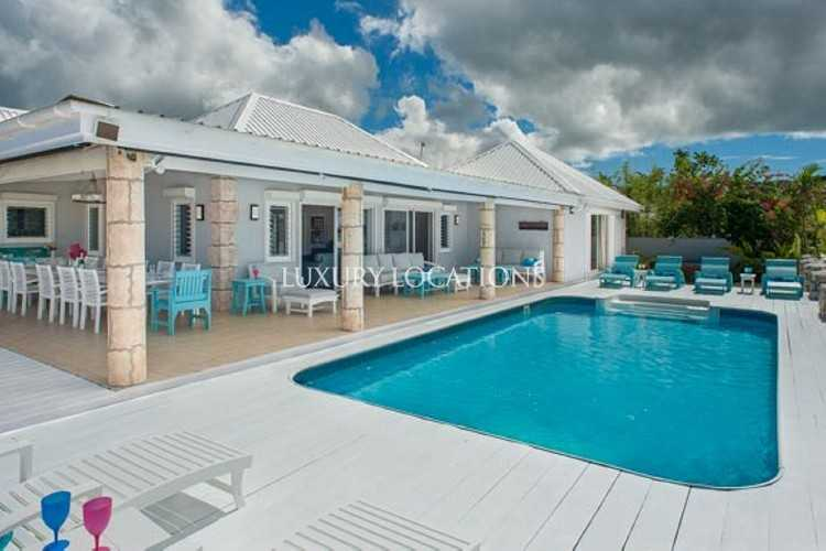 Property to Rent in Island View Beach House, gorgeous five bedroom beachfront villa., Saint Mary, Jolly Harbour, Antigua, Antigua
